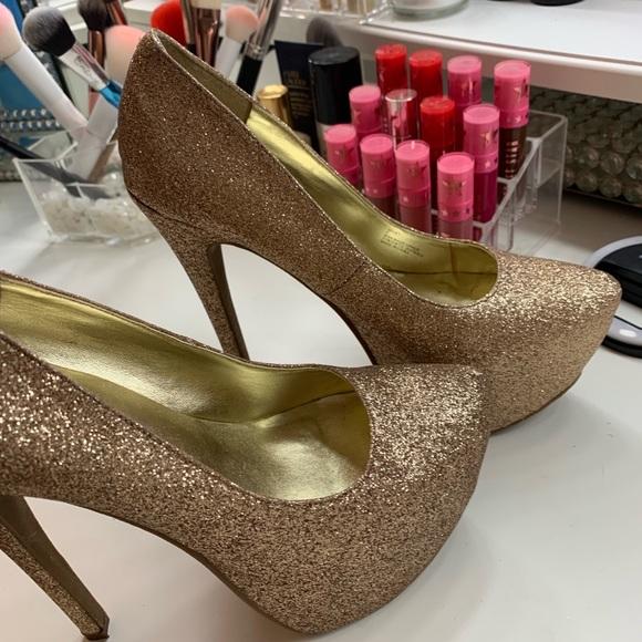 JustFab Shoes - Gold Pumps